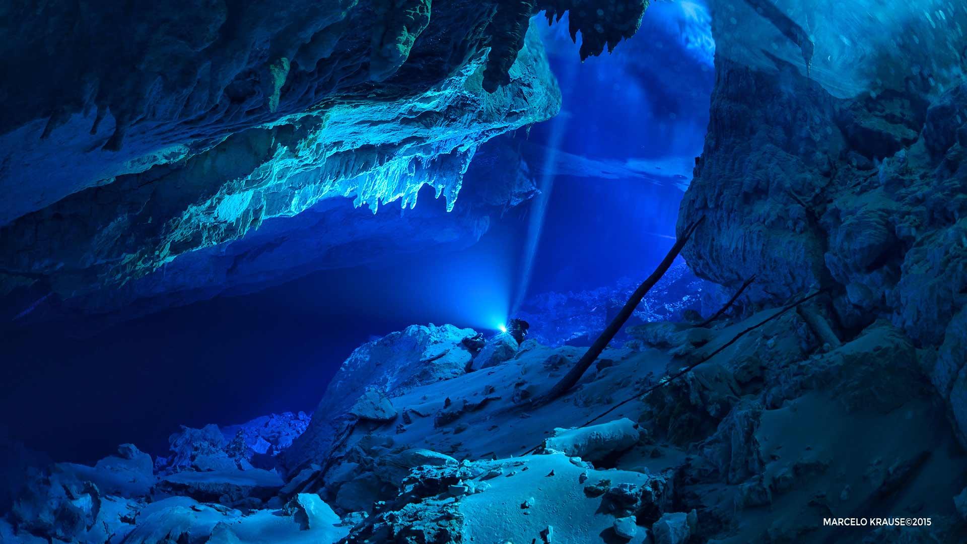 Expedição Gruta do Lago Azul